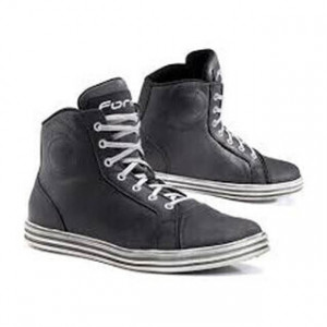SLAM DRY BLACK AND WHITE BOOTS